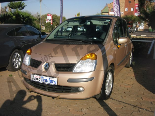 Used Renault-Modus-1.4 Dynamique Manual 2006 for Sale in Gauteng-Centurion (46227)