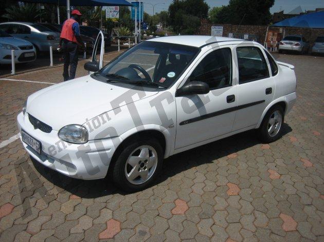 Used Opel-Corsa-1.4 5Dr Sedan Manual 2001 for Sale in Gauteng-Centurion (46270)
