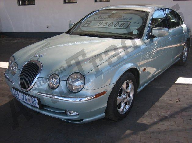 Used Jaguar-S-Type-3.0 V6 SE Automatic 2002 for Sale in Gauteng-Centurion (46368)